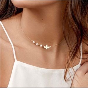 Gold Dove Pearl Dainty Short Necklace
